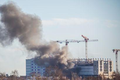 OYSin työmaalla pieni tulipalo keskiviikkoaamuna, palava styroksi aiheutti runsasta savua