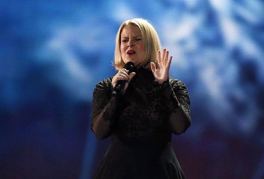 Laulaja Leena Tirrosen ja pianisti Lasse Piiraisen muodostama yhtye Norma John kilpaili itse kirjoittamallaan Blackbird-balladilla.