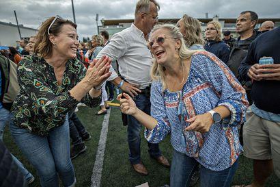 Pohjois-Pohjanmaan kesän suurin festivaali keräsi tuhansia juhlijoita Kuusisaareen – jokaiselle kävijälle oli pöytäpaikka, mutta Mamba vei yleisön pöydistä tanssimaan