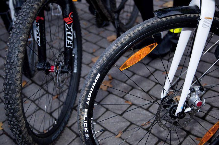 koukku moottori pyörän renkaan aurinko lasit dating profiili