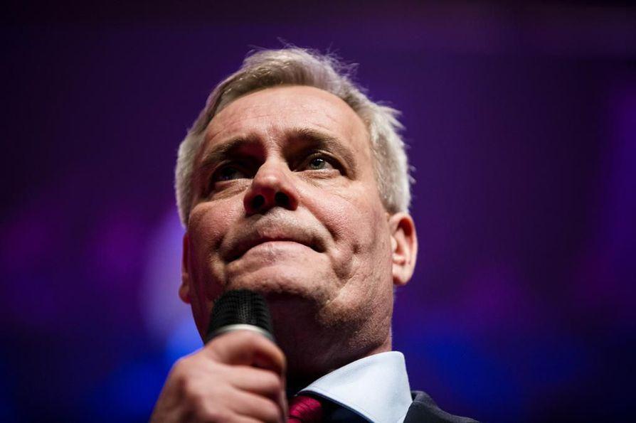 SDP:n puheenjohtaja Antti Rinne sanoo, että toimivat markkinat eivät tarvitse yritystukia.