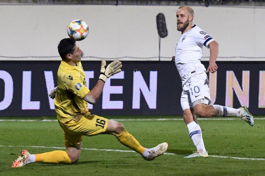 Teemu Pukki teki kaksi maalia ottelussa Armeniaa vastaan.