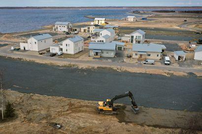 """Pateniemenranta alkaa hahmottua, omakotitonteista on myyty kaksi kolmasosaa: Mukana tontteja omalla rannalla ja purjeveneen laiturilla, tonttihinta jopa 375 000 euroa – """"Kerrankin Ouluun tulee oikeasti merellinen asuinalue"""""""