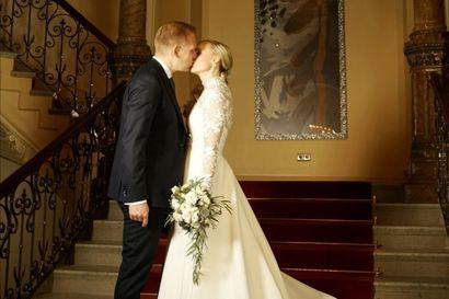 Maria Ohisalolle sataa onnitteluja: sisäministeri astui avioon uudenvuoden aattona