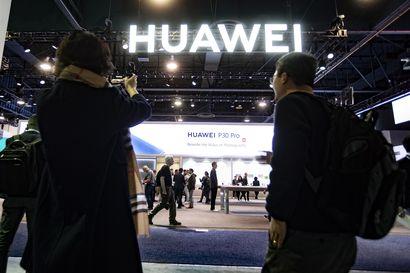 Operaattorit suhtautuvat Supon huoleen 5G-verkoista vakavasti – Elisan johtajan mukaan vakoilua voidaan torjua yksinkertaisella keinolla