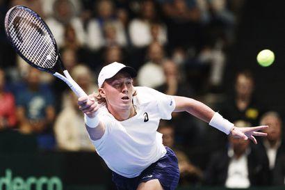 Emil Ruusuvuori haastaa New Yorkissa kesän harjoitusvastustajansa - 21-vuotias arvoturnausten debytantti eteni toiselle kierrokselle US Openissa viiden erän ottelun voitolla