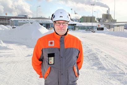 Johtaja vaihtoi teräksen paperiin – Stora Enson Kemin Veitsiluodon tehtaan uusi johtaja Tero Siivola aikoo nostaa tehdasintegraatin tuottavuutta