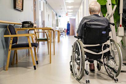 """Sänkyvuokra 40 euroa ja siivous 70 euroa kuukaudessa –ikäihmisten palveluasumisesta perittävät """"ylimääräiset"""" maksut herättävät hämmennystä Kemijärvellä"""