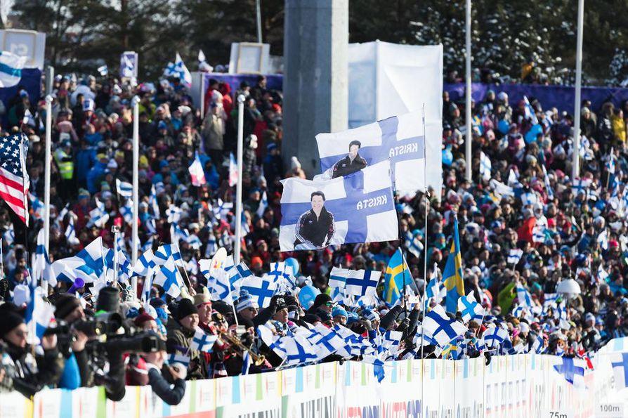 Lahden hiihtostadion täyttynee jälleen lauantaina, kun yleisö saapuu katsomaannaisten 30 kilometrin kilpailua ja joukkuemäkeä.
