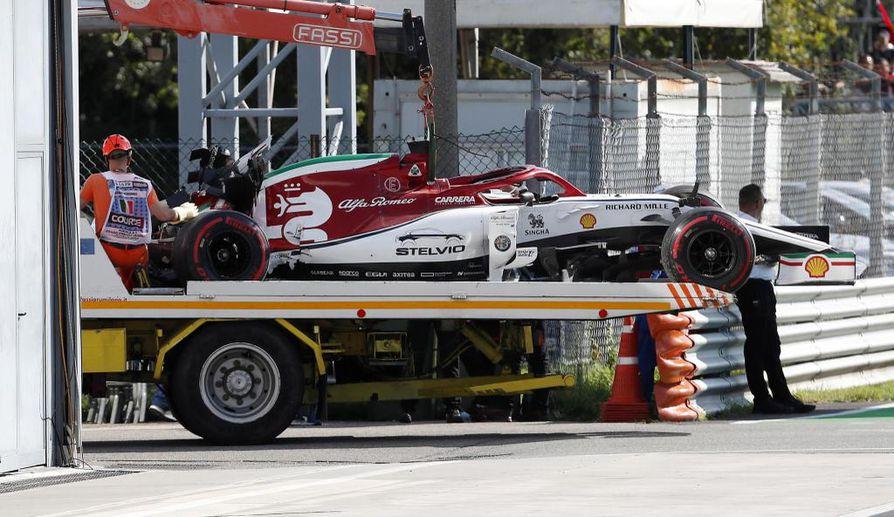 Kimi Räikkönen ajoi ulos aika-ajojen viimeisellä kierroksella.
