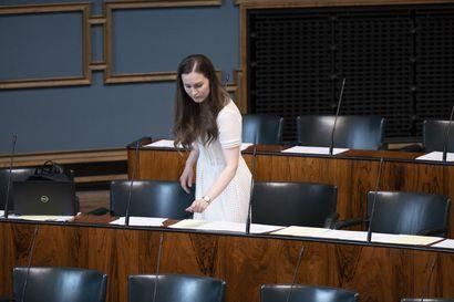 """Pääministeri Marin reagoi HS:n paljastukseen siivousalan ongelmista – """"Hyväksikäytön pitäisi olla työnantajalle niin suuri riski, ettei se kannata"""""""