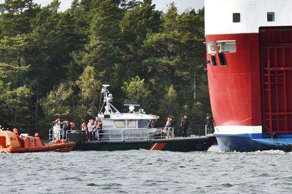 Matkustajat evakuoitu turma-alukselta – Amorella ajoi karille jo toista kertaa samassa kapeikossa, vuotoja aluksen alimmissa osissa