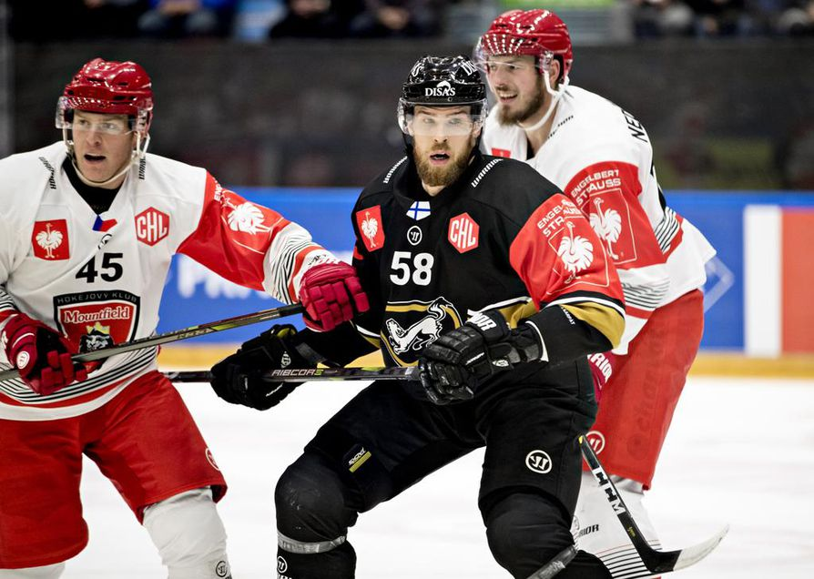 Jani Hakanpää (58) on ainoa Kärppien pelaaja, joka nimettiin maajoukkueturnaukseen Venäjälle.