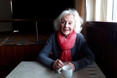 Kajaanissa nähdään monologi 170-vuotissyntymäpäivien kunniaksi – rakastettu näyttelijä Seela Sella tulkitsee ikätoverinsa Martti Joenpolven novelleja
