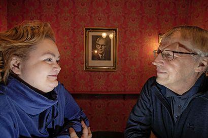 Raahen Teatteri tuo ensi kesänäkin näyttämölle Kekkosen – Tosin näytelmän varsinainen päähenkilö on vielä UKK:takin jykevämpi