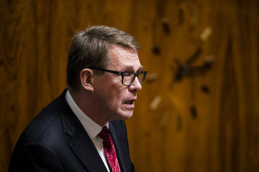 Matti Vanhanen on tätä nykyä eduskunnan puhemies.