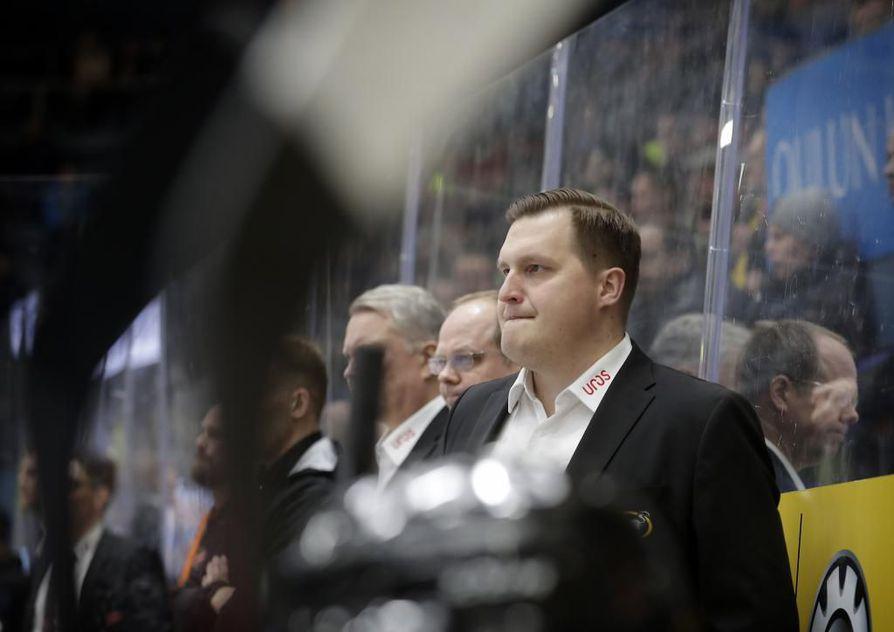 Kärppien päävalmentajana tämän viikon toimiva Lauri Mikkola on tehnyt joukkueen kokoonpanoon mielenkiintoisia muutoksia.
