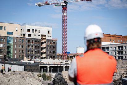 Rakennusalaa uhkaa putoaminen pahnanpohjimmaiseksi – Kasvavaan työttömyyteen on jo varauduttu