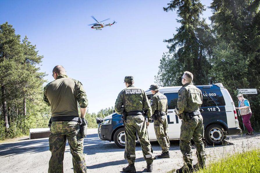 Silmälasikotelon jääminen lentokoneen kuomun lukituksen väliin aiheutti amfibiolentokoneen onnettomuuden viime vuoden heinäkuussa Rovaniemellä. Arkistokuva läheltä turmapaikkaa.