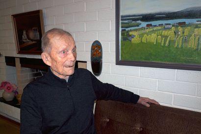 Väinö Luusua, 96, kävi linnan juhlissa, mutta joulun hän on kotona