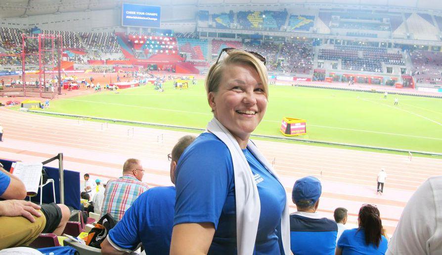 Oululainen Johanna Korhonen on nauttinut yleisurheilusta Dohan MM-katsomossa. Hänellä on Suomen lisäksi sympatioita Etiopiaa kohtaan.