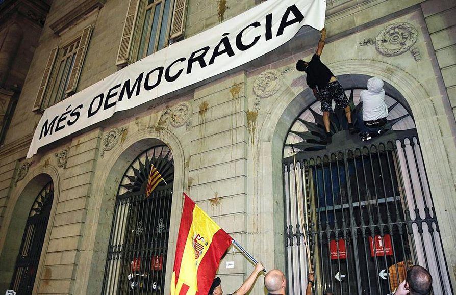 Kataloniassa on tarkoitus järjestää sunnuntaina äänestys alueen itsenäisyydestä.