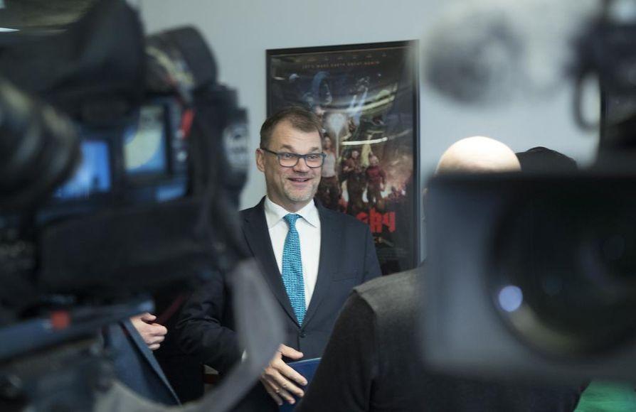 """""""Todennäköisesti on osallistuttu, mutta missä määrin, niin siitä ei ole tietoa. Siitä on tietoa, että näiden nuorten merkitys sodissa oli valtava, kun taistelimme vihollista vastaan"""", kommentoi pääministeri Juha Sipilä (kesk.) suomalaisista SS-vapaaehtoisista."""