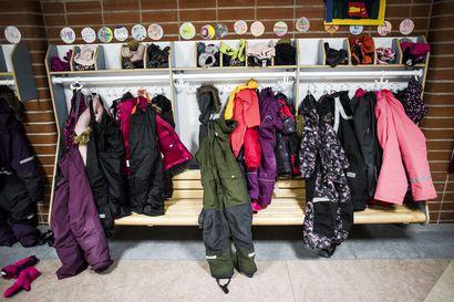 """""""Syksyn nuha-aika on haastava"""" – Poikajärven perheessä Rovaniemellä on otettu viikon sisällä neljä koronatestiä, jotta kouluun ja töihin pääsisi takaisin"""