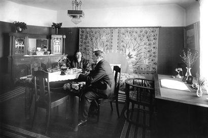 Palvelijalle oma huone, lapsi nukkumaan pöydän alle – suomalainen koti muuttui sadassa vuodessa paljon, ja yksi muutos on erityisen suuri
