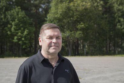 Pesäpallolegenda Kari Kuusiniemi ponnisti Oulusta lajin terävimmälle huipulle – siirto takaisin Lippoon oli aikoinaan lähellä, mutta kenttien väriläiskä pysyi ja pysyy edelleen hyvinkääläisenä