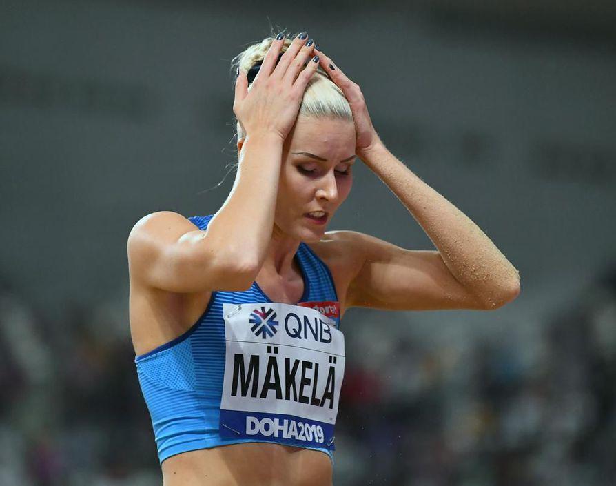 Kristiina Mäkelän ulkoratojen arvokisafinaalien historia jatkui epävarmasti. Hän päätyi loppukilpailussa 12:nneksi tuloksella 13,99.