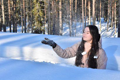 Sanni hakee Pentikille, Ellen K-Markettiin – Nuoret odottavat kesätöitä ja toivoa on: esimerkiksi Kuusamo hyväksyi 200 000 euron lisämäärärahan nuorten kesätyöllistämisen ja kesätyöpaikkatakuun toteuttamiseksi
