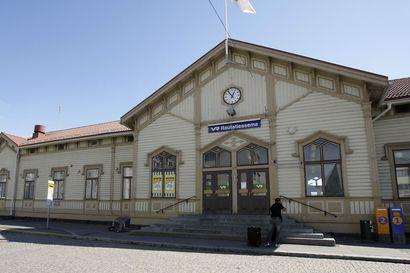 VR aikoo sulkea rautatieaseman palvelupisteen Oulussa ja neljällä muulla paikkakunnalla