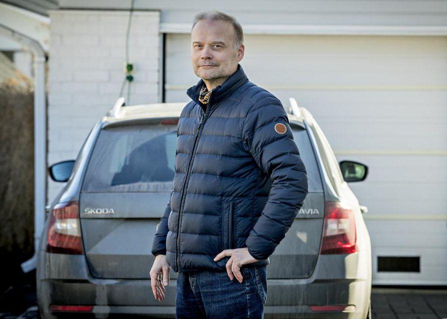 Juha Antinoja on kulkenut kotoaan Oulusta töihin Helsinkiin jo kahdeksan vuoden ajan. Etätöihin työnantaja patisti jo 12. maaliskuuta, joten Uudenmaan rajoitukset eivät Antinojaa tällä hetkellä kosketa.