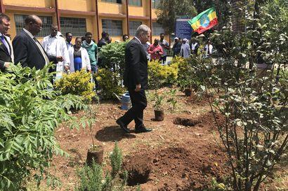 """Toimittajamme Etiopiassa: Niinistö vieraili paikallisessa koulussa – """"Vaikka Suomi on kaukana, olemme ystäviä"""""""