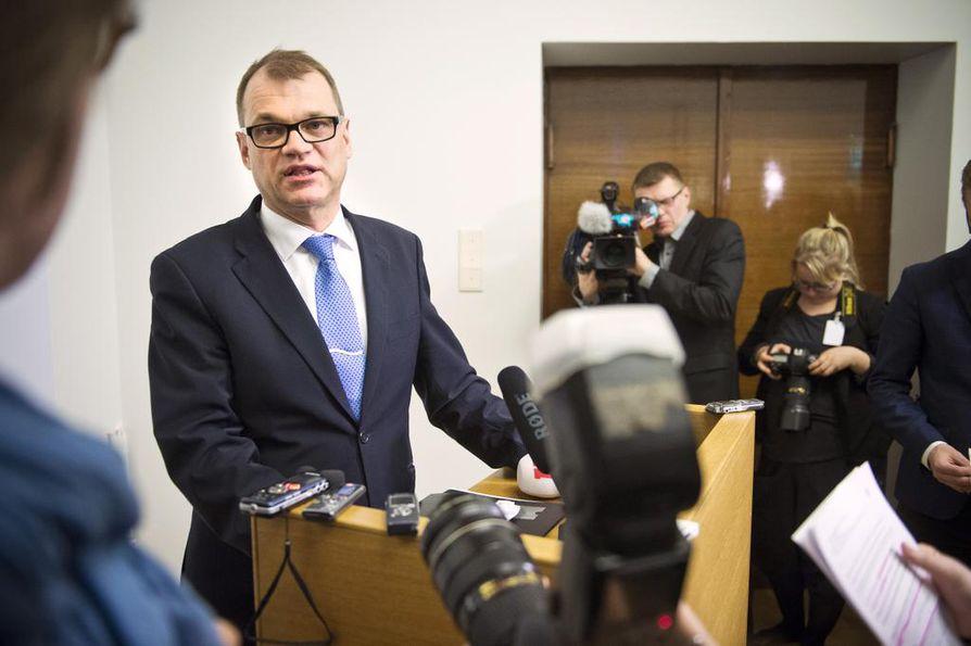 Pääministeri Juha Sipilä (kesk.) muistuttaa, että avioliittolaki on jo hyväksytty eduskunnassa.