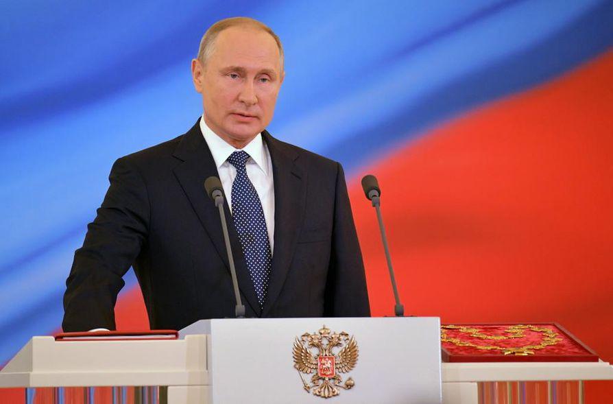 Venäjän presidentti Vladimir Putin vannoi maanantaina jälleen virkavalansa.