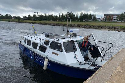 Pitkäaikainen toive veneyhteydestä Tornion ja Haaparannan välillä toteutuu – Jokiristeilyjä järjestetään nyt parin viikon kokeiluna