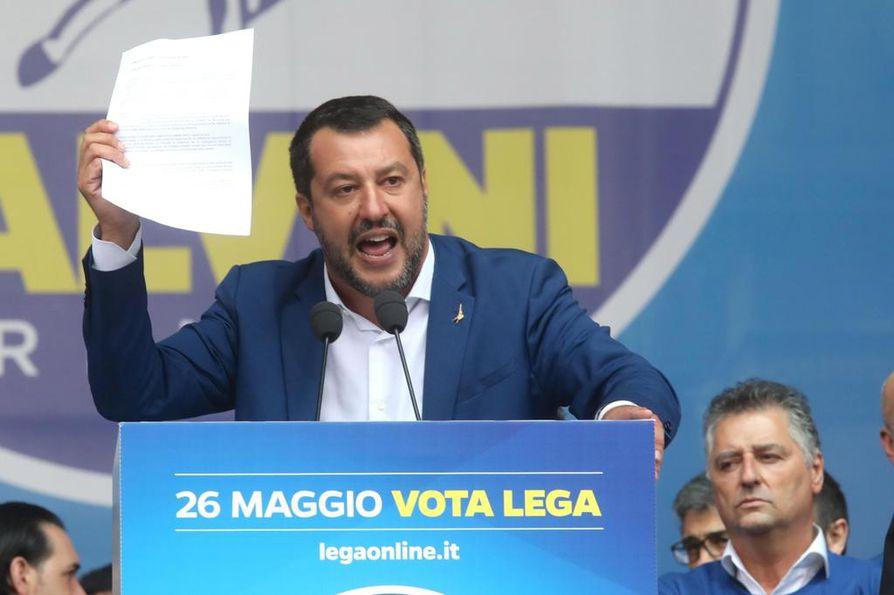 Italian sisäministeri, Lega-puolueen puheenjohtaja Matteo Salvini on luotsannut kansallismielisten oikeistopopulistien liittoumaa.