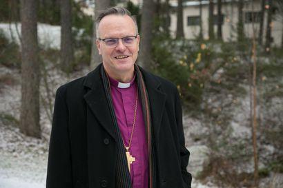 Kirkko on lähellä ihmistä, kuten paikallislehtikin – arkkipiispa Tapio Luoma iloitsee kirkon moniäänisyydestä
