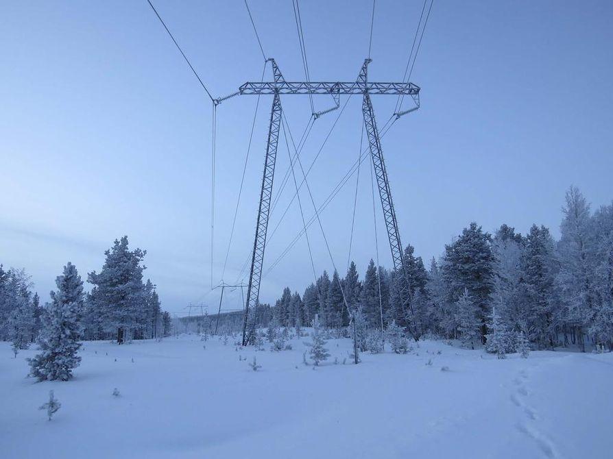 Sähköpulan riski pakkaskausina on kasvanut viime vuosina. Syyt ulottuvat tuulivoimatuotannosta Ruotsin ydinvoimaloihin ja Venäjän kankeuteen.