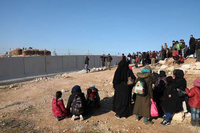 """Lähes miljoona siviiliä on paennut sotaa Luoteis-Syyriassa – YK:n päällikkö: Syyriaan uhkaa syntyä """"2000-luvun suurin humanitaarinen kauhutarina"""""""