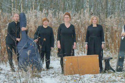 Oululaisen Otran uudelle levylle tarvittiin jotain iloisempaa, joten kansanmusiikkiyhtye versioi Hiski Salomaan Vapauden kaihon