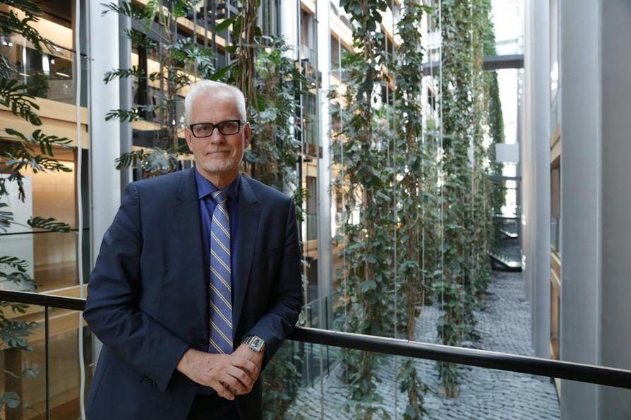 Petri Sarvamaa on tehnyt kovan nousun vaikutusvaltaisten meppien kärkiryhmään. Hän on nyt vaalikauden lopussa 14. vaikutusvaltaisin.