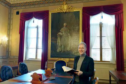 """Raahelaislähtöinen lakimies Timo Juntunen nauttii työstään oikeuden tuomarina – """"Tämä vaatii sen, että osaa katsoa juttua mahdollisimman neutraalisti, eikä anna tunteille valtaa"""""""