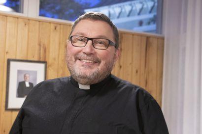 Heikki Karppisen virkaan valinta vahvistettiin –kirkkoherran virkaan asettaminen loppiaisena Pulkkilan kirkossa