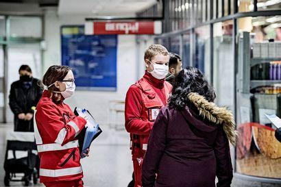 Vieraskielisten osuus koronatartunnoista on noussut ennätyslukemiin Helsingissä ja Turussa – työmatkustus EU- ja Schengen-maista helpottuu maanantaina
