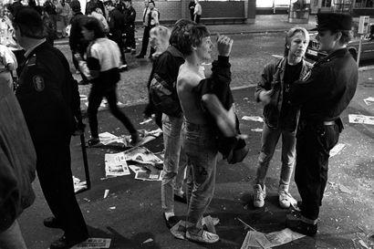 Kolmekymmentä vuotta sitten nuorten lomanlopettajaiset muuttuivat Oulussa tuhatpäiseksi nuorisomellakaksi – kahinoissa lensivät porrasrallit ja rikkoutuivat näyteikkunat