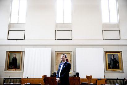 """Tiede ei ole kriisissä, torppaa Helsingin yliopiston rehtori Jari Niemelä – """"Pitää olla sen verran yleissivistystä, ettei päädy pitämään hömppää auktoriteettina"""""""