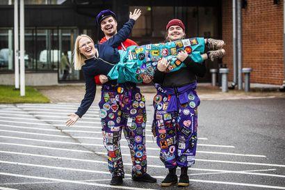 Haalarit kertovat opiskelijan elämästä – juhlapuku voi paljastaa yksityiskohtia kantajansa huumorintajusta ja ihmissuhteista